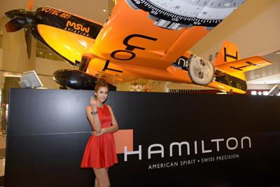 最新资讯_hamilton khaki x-wind为品牌最新推出的航空腕表,除了精准的报时功能